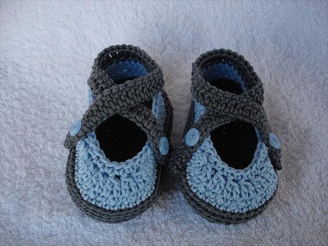 Converse Baby Booties Knitting Pattern