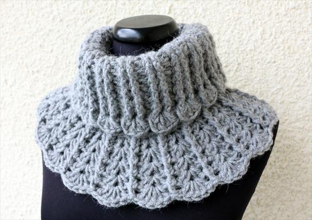 11 DIY Warm  Cozy Crochet Scarfs  DIY to Make