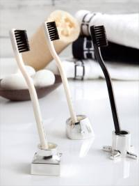 24 DIY Toothbrush Holder Ideas