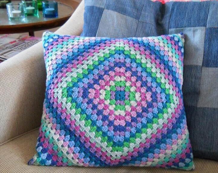 crochet sofa cover patterns marshmallow minnie mouse 18 beautiful free pillow & cushion | diy ...