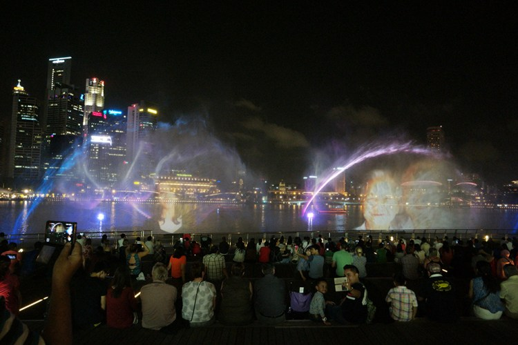 Wonderful Full Light & Water Show at Marina Bay Sands