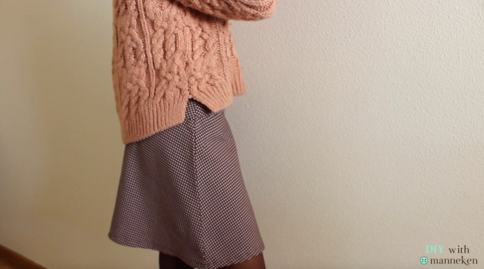 falda de lado