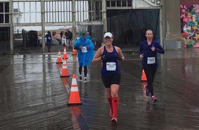 Jen Miller During the 2016 New Jersey Marathon