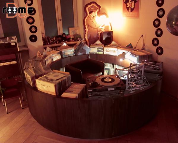 studio,dj,room,pokój,konsola,didżejka,domowe studio,mikser,mixer