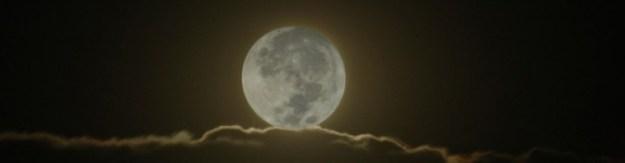 cropped-DSC_0014-Mond-auf-Wolken-1000x288-940x1981.jpg