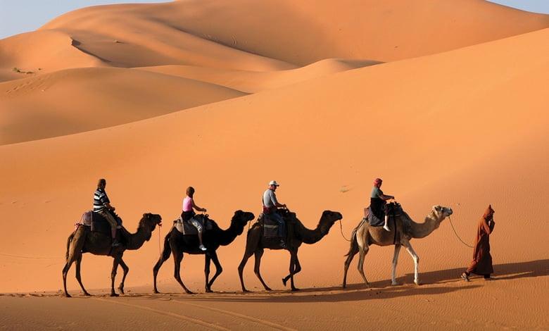 """صورة صاحب الوكالة السياحية """"أكار أكار"""" محمد زونقة بن مختار: """"ننصح المغتربين بالقدوم إلى الجنوب الجزائري"""""""