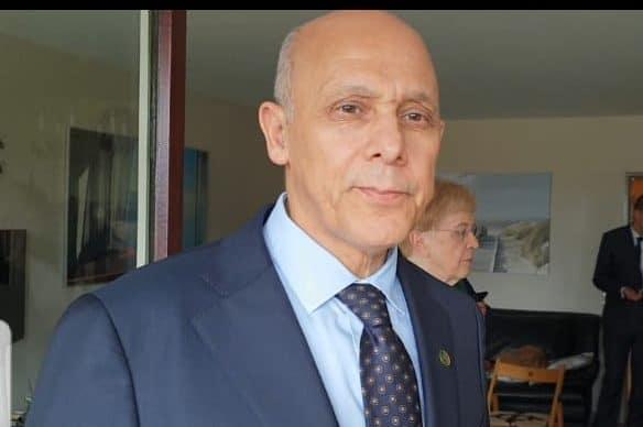 """صورة قنصل الجزائر بألمانيا: """"نحن على تواصل مع الكفاءات الوطنية"""""""