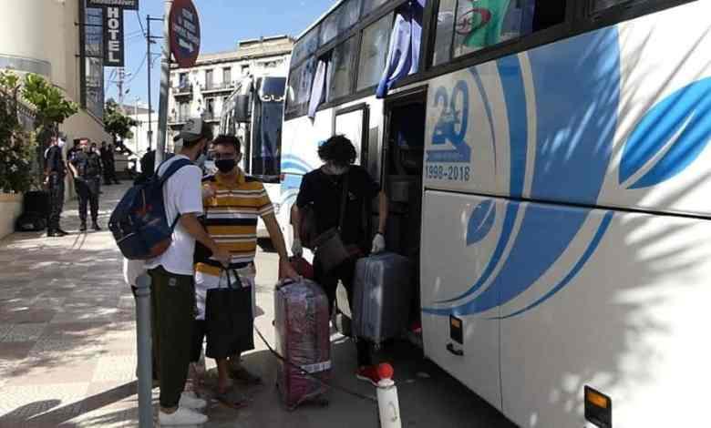 صورة 263 جزائري يغادرون الحجر الصحي بوهران