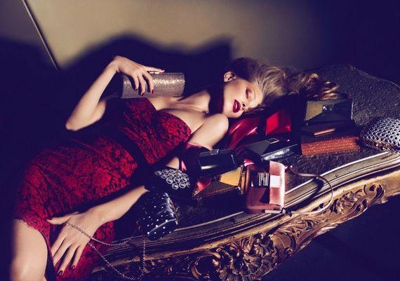 30 Inspirational Fashion Ad Designs 11