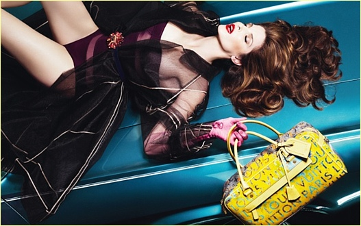30 Inspirational Fashion Ad Designs 26