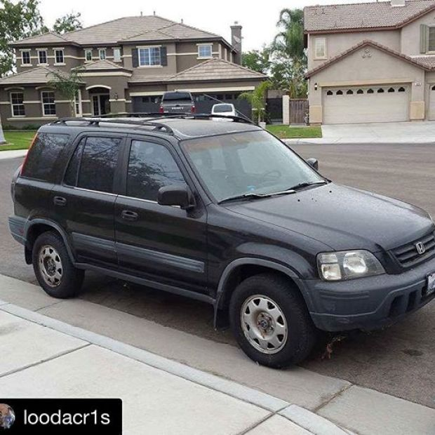 #Repost @loodacr1s・・・️STOLEN️ license plate 4UFT900.  They got home this morning only to find out their 1997 Honda CR-V was stolen. Please be on the look out.  Taken from the downtown Pomona arts district area. #pomona #stolencar