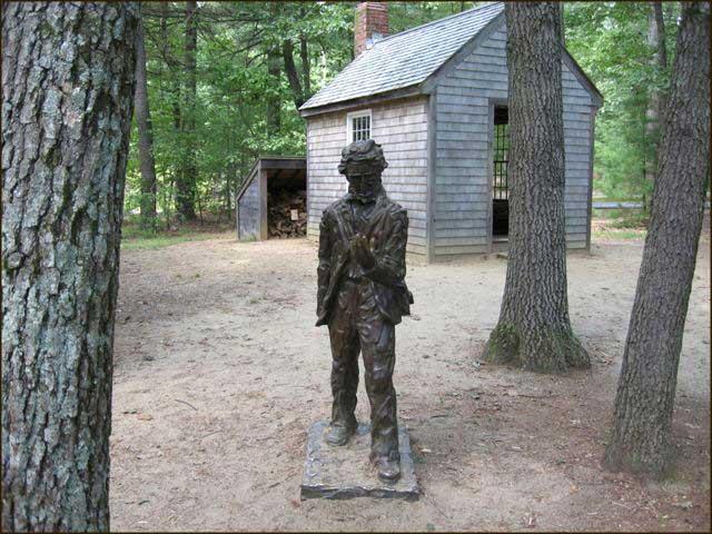 Thoreau flytta ikke så langt utafor byen. Men han prøvde heller ikke å late som.