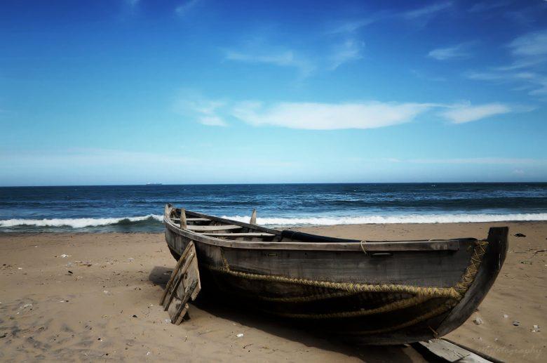 Boot op strand