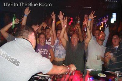 Kinesis-live-blue-room