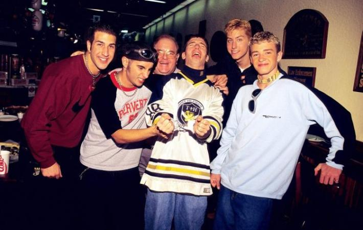Lou Peralmann com seus Banckstreet Boys e ´N Syn com Justin Timberlake