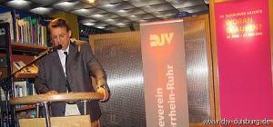 Stefan Endell begrüßt die Gäste des Journalisten-Treffs