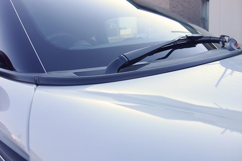 BMW MINIをモールをブラックアウトでシックなイメージを演出