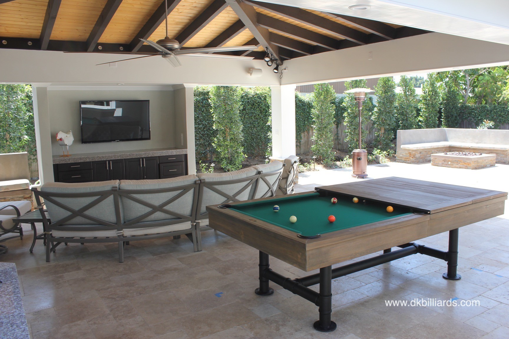 Southern California Residents Are Fortunate To Be Able To Spend A Lot Of  Time Outside. This Costa Mesa Family Created An Outdoor Living Space  Complete With ...