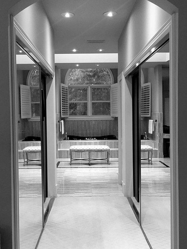 Design Check-in Modern Master Bathroom In Coral Gables