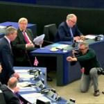 Nigel Farage: Armia UE? Kogo pan bierze za głupków, panie Juncker?