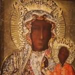Jasna Góra. Ołtarz i konfesjonał narodu