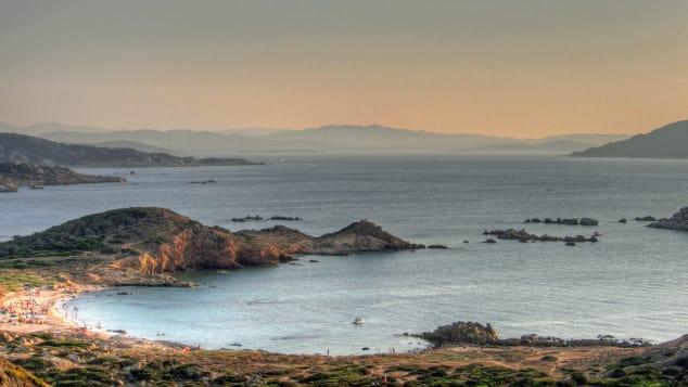 شواطئ جزيرة لامادالينا