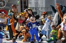 Mickey Presents Happy Anniversary Disneyland Paris