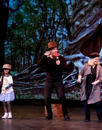 DLUX Ent Peter Pan Audience Participates