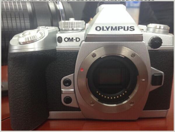オリンパス OM-D E-M1 シルバー