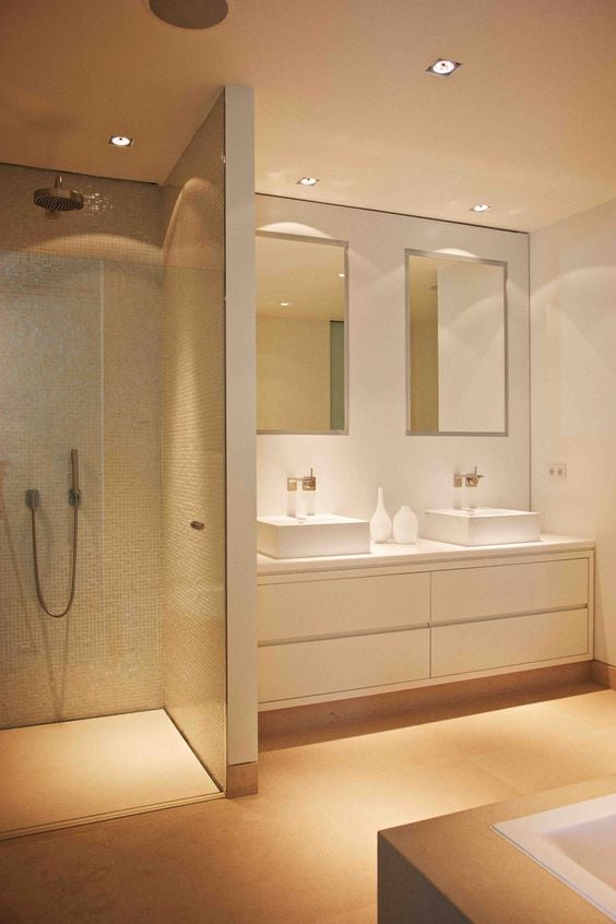 Tips for lights in shower rooms and cabins