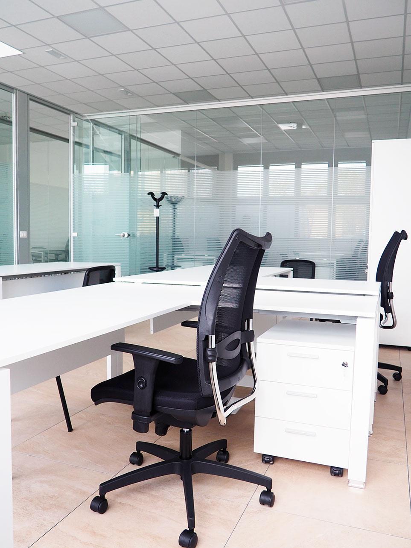 Azienda leader nella vendita di mobili per l' arredo dell' ufficio nata nel 1990 come costola dell'antica falegnameria di. Dm Officina Design Progetto Per Azienda Del Settore Alimentare A Parma