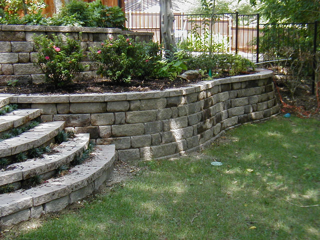 218 Best Images About Retainer Walls On Pinterest Diy Retaining