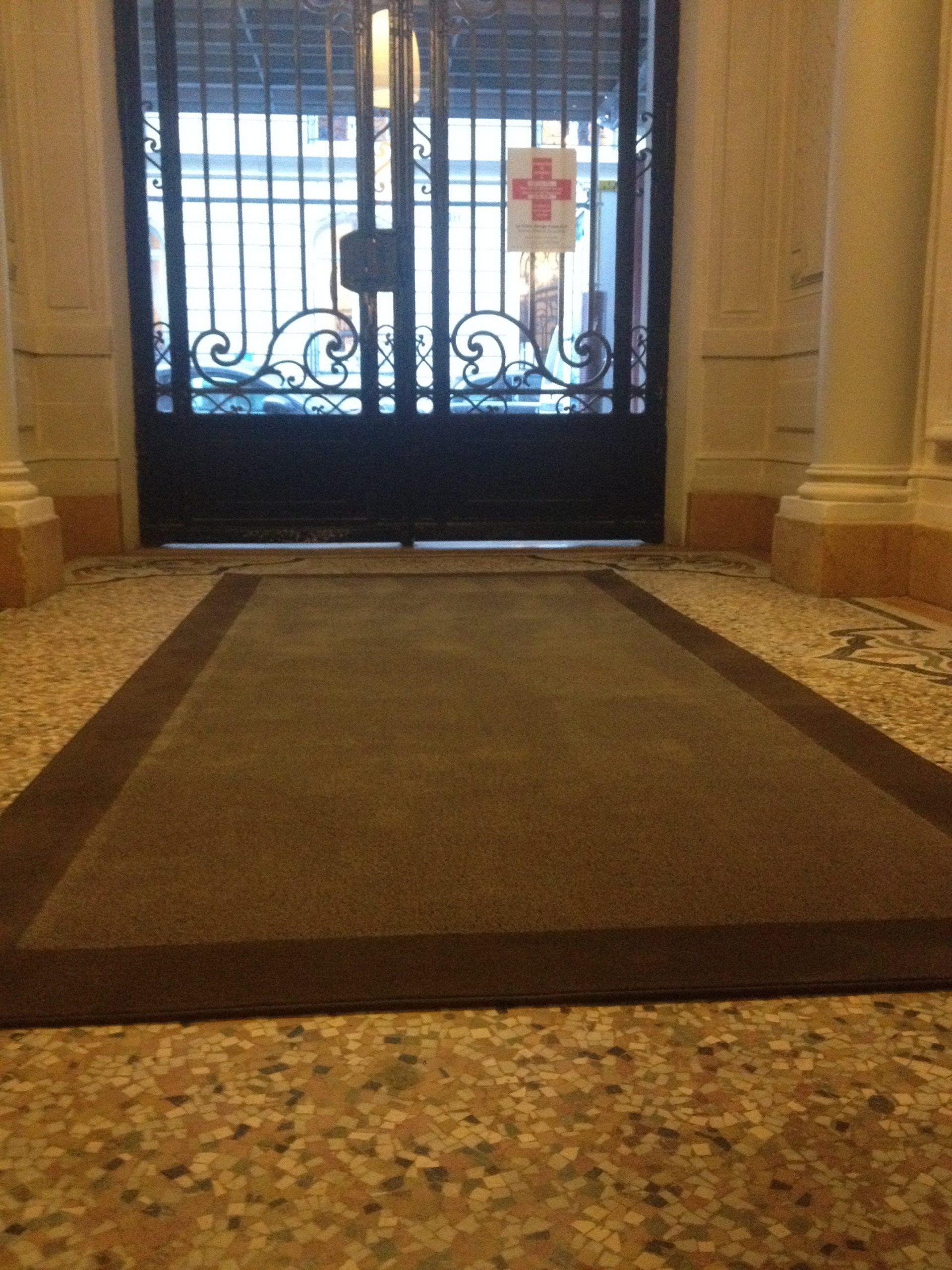 tapis hall d immeuble dmt