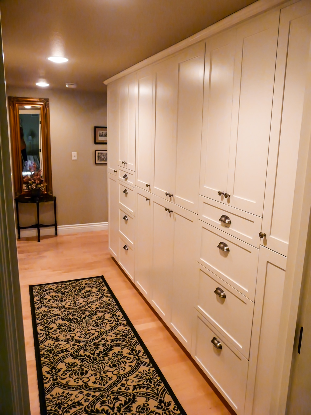 Upscale Country Cabinets and Bedroom  Danilo Nesovic