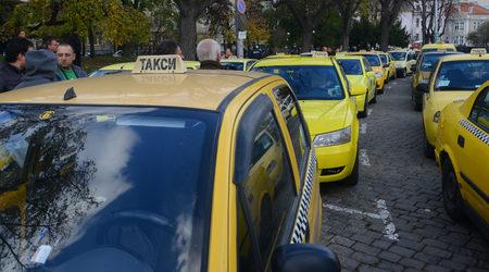 Руският конкурент на Uber навлиза в България