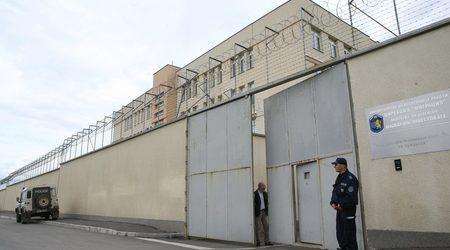 Това е домън за временно настаняване на бежанци в Бусманци. Прилича ли ви на дом? Снимка: в-к Дневник