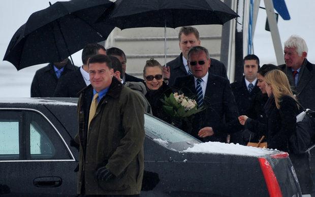 Посещението на Хилари Клинтън ще продължи само няколко часа.