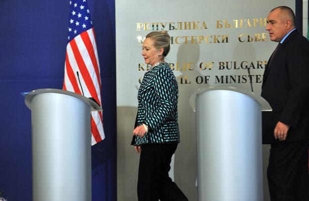 Срещата между Клинтън, премиера и министрите продължи около час