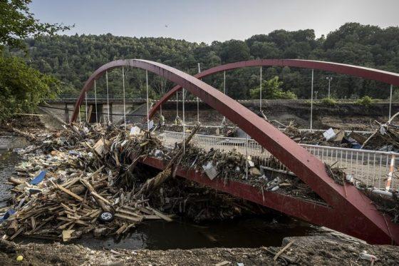В Германия вече няма оцелели от наводненията