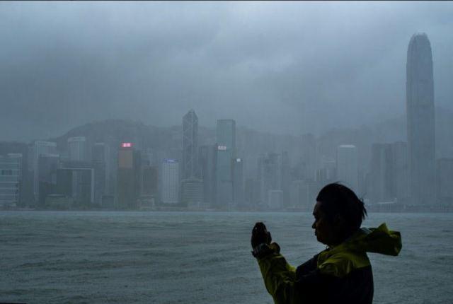 (FOTO, VIDEO)Tajfun Mangkhut nakon Filipina stigao u Kinu: Bez struje sedam tisuća ljudi 2