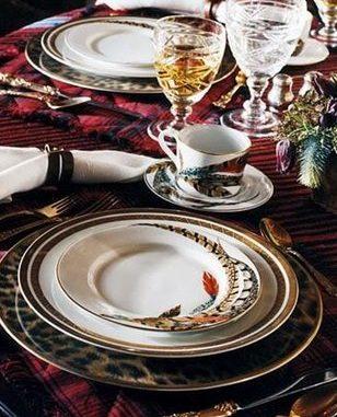 маса за аристократи, вечеря, закуска, обяд, чинии, чаши, вино, плодове