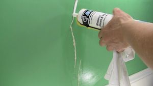 Fixing Cracks In Drywall And Plaster