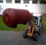 Abtransport des Warmwasser Boilers der unterm Dach stand