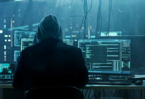 programador back-end | Incrementar um valor | IoT | Pausar processamento | desafio maker | ordenar um array | caixa dagua | blink sem condicionais