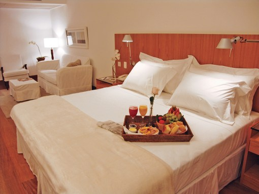 Ipanema-Plaza-Hotel-4-Stars-Carnival-Package-jr-suite