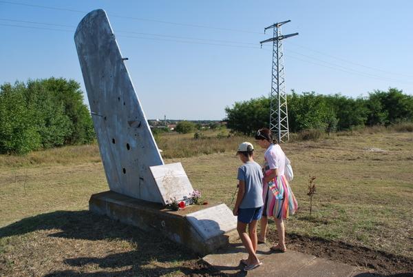 29 години от върховната саможертва на летците-герои Венко Савов и Йордан Тенчев