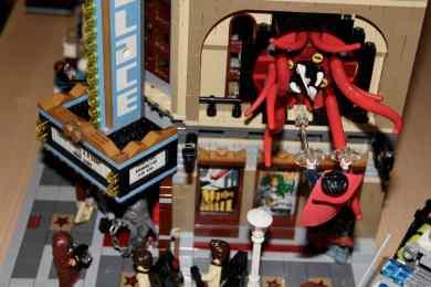 Lego Palace Cinema doppelt mit Doctor Strange Portalbestie 14