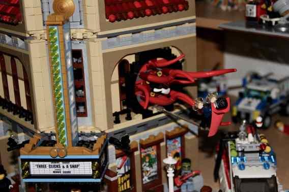 Lego Palace Cinema doppelt mit Doctor Strange Portalbestie 20