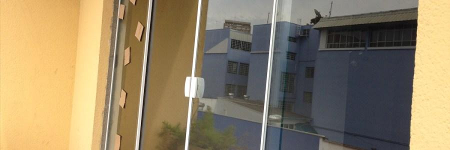 Confiram como ficou a janela logo após a troca! Depois foi só pintar.
