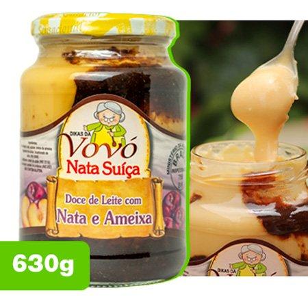 deliciosa nata suíça com ameixa para sobremesa